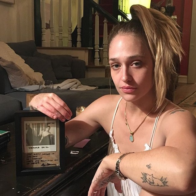 Jemima Kirke sexiest pictures from her hottest photo shoots. (10)