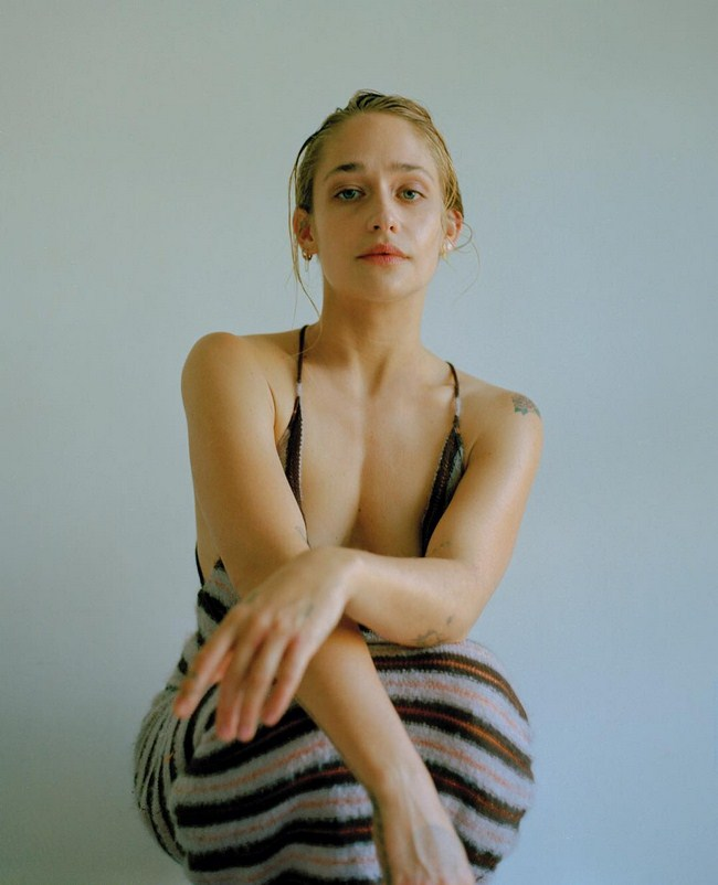Jemima Kirke sexiest pictures from her hottest photo shoots. (12)