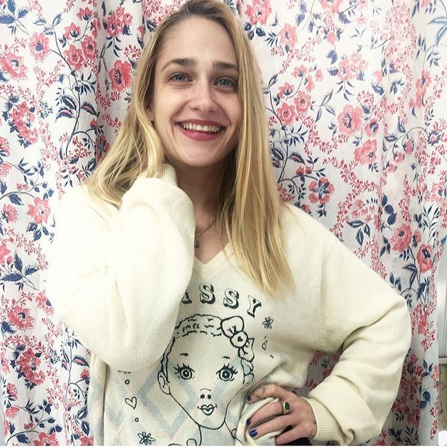 Jemima Kirke sexiest pictures from her hottest photo shoots. (14)