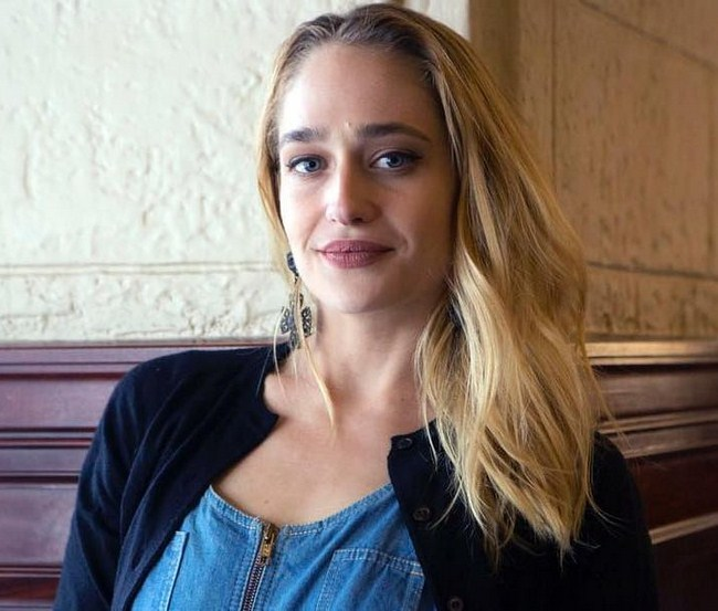 Jemima Kirke sexiest pictures from her hottest photo shoots. (26)