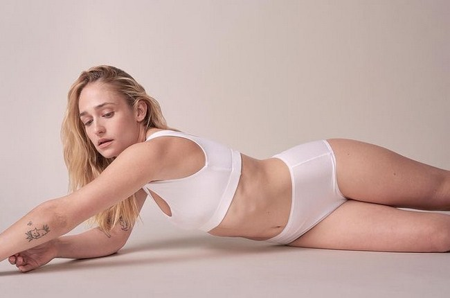 Jemima Kirke sexiest pictures from her hottest photo shoots. (27)