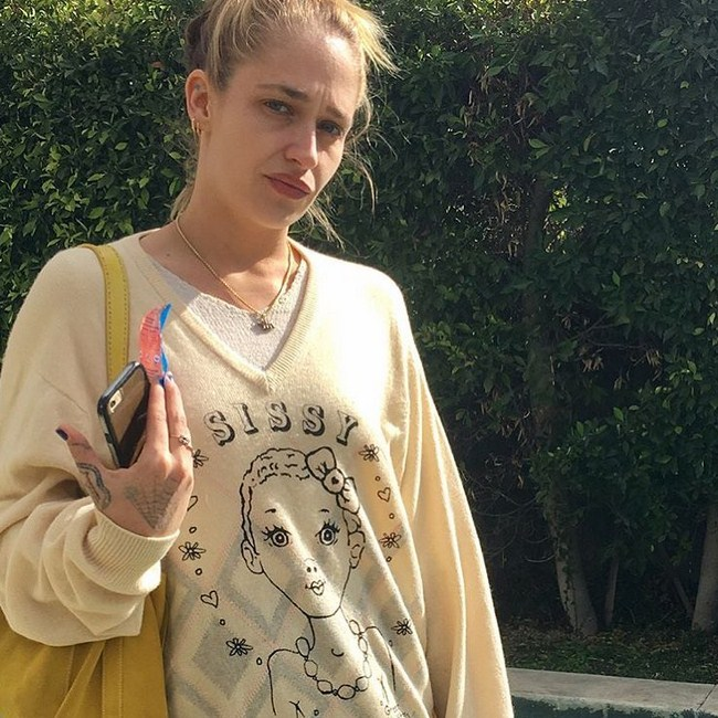 Jemima Kirke sexiest pictures from her hottest photo shoots. (39)