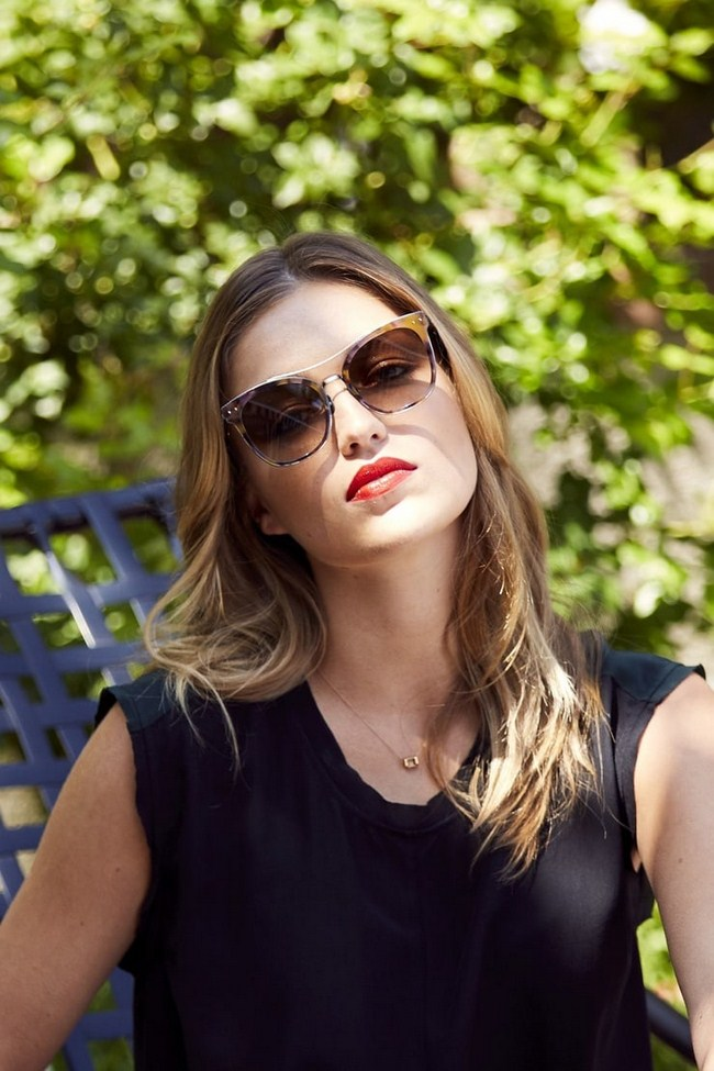 Lili Simmons sexiest pictures from her hottest photo shoots. (32)