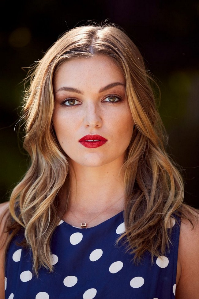 Lili Simmons sexiest pictures from her hottest photo shoots. (1)