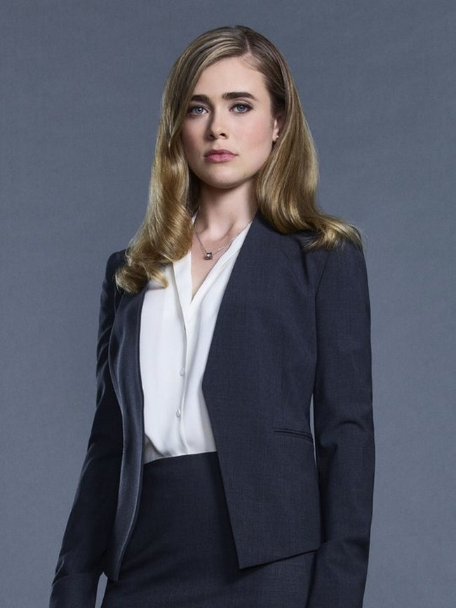 Melissa Roxburgh sexiest pictures from her hottest photo shoots. (2)