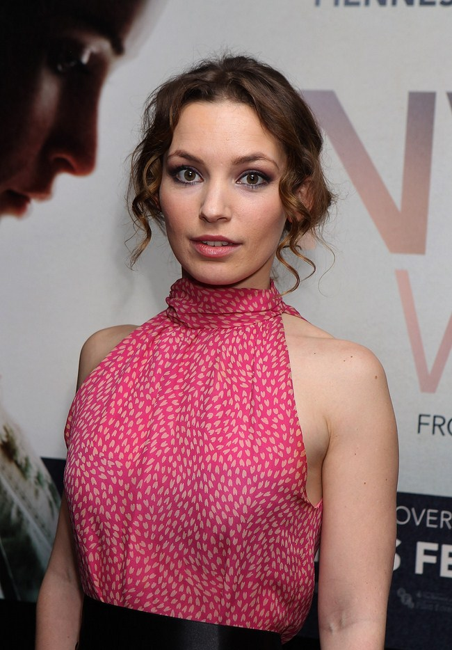 Perdita Weeks Hottest Photos Sexy Near Nude Pictures Gifs