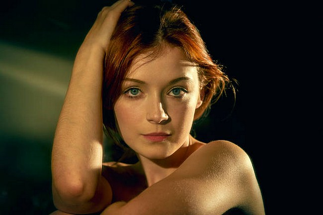 Sarah Bolger sexiest pictures from her hottest photo shoots. (35)