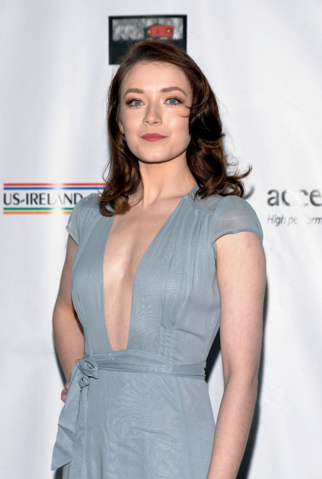 Sarah Bolger sexiest pictures from her hottest photo shoots. (8)
