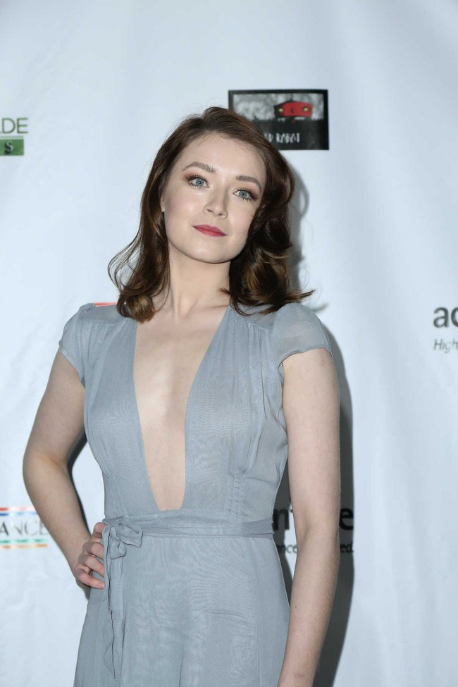 Sarah Bolger sexiest pictures from her hottest photo shoots. (6)