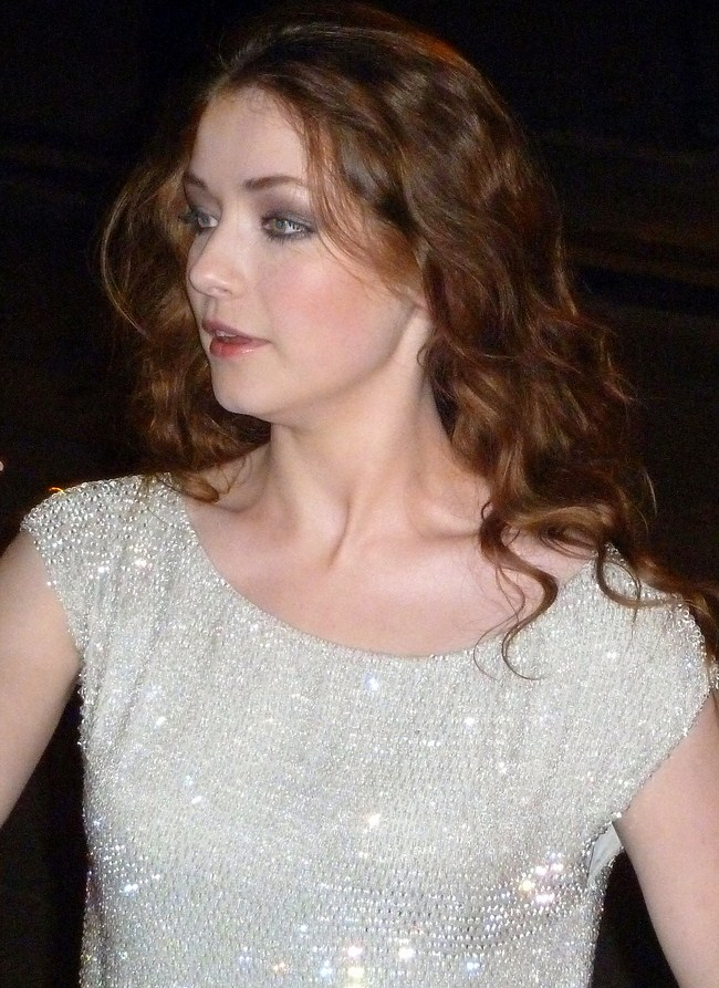 Sarah Bolger sexiest pictures from her hottest photo shoots. (1)