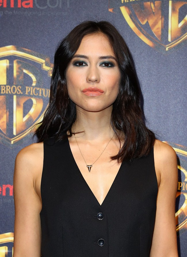 Sonoya Mizuno sexiest pictures from her hottest photo shoots. (37)