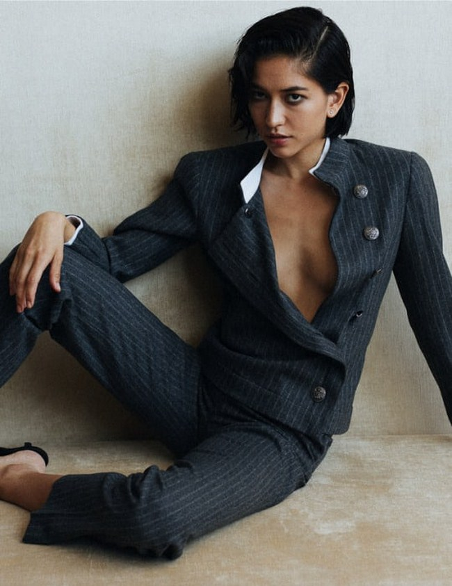 Sonoya Mizuno sexiest pictures from her hottest photo shoots. (31)
