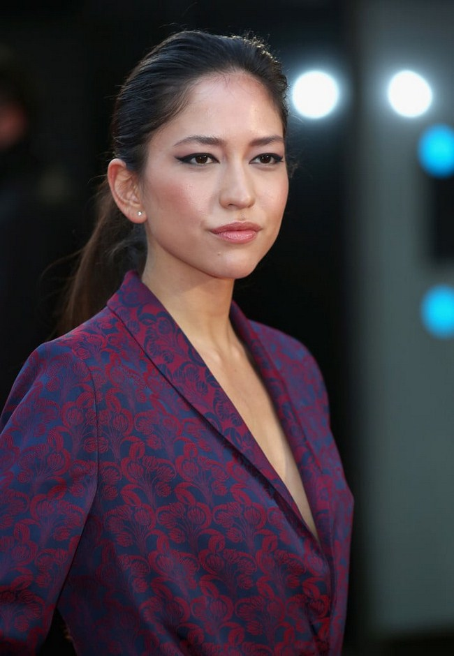Sonoya Mizuno sexiest pictures from her hottest photo shoots. (28)