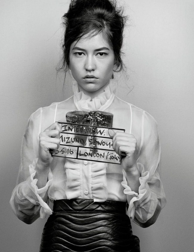 Sonoya Mizuno sexiest pictures from her hottest photo shoots. (23)