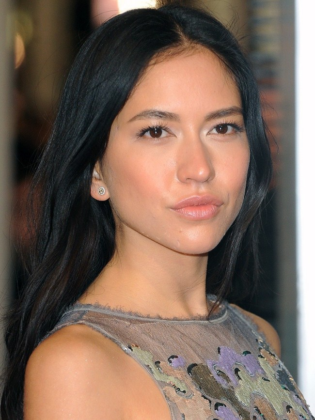 Sonoya Mizuno sexiest pictures from her hottest photo shoots. (15)