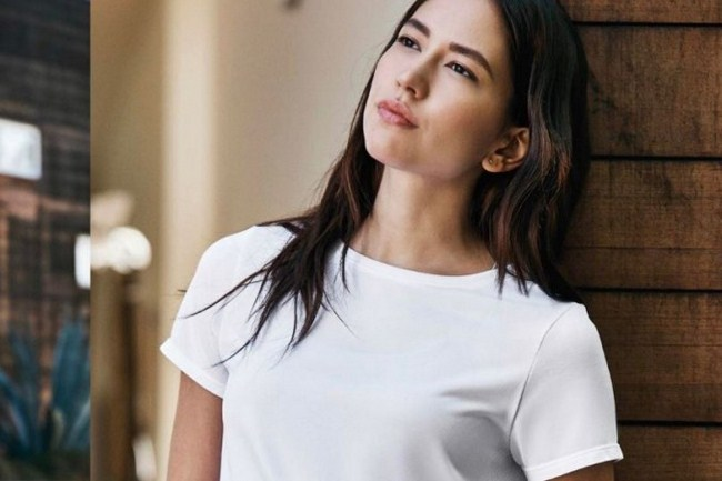 Sonoya Mizuno sexiest pictures from her hottest photo shoots. (13)