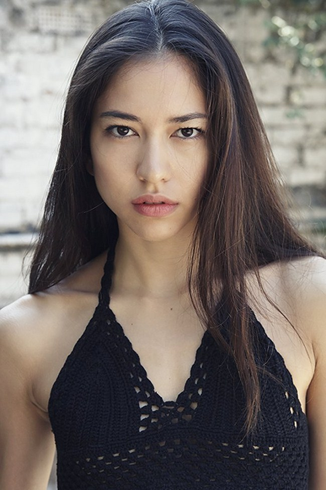 Sonoya Mizuno sexiest pictures from her hottest photo shoots. (7)