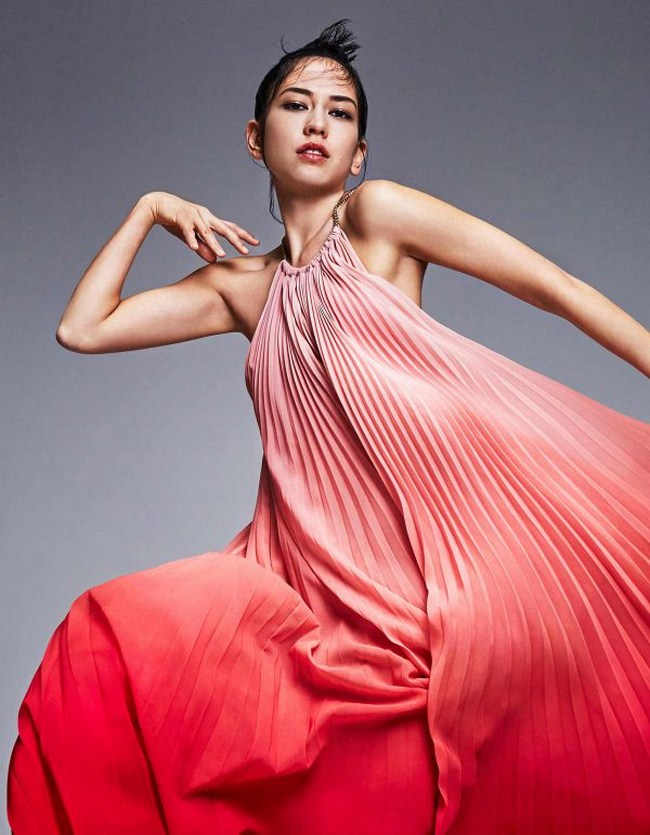 Sonoya Mizuno sexiest pictures from her hottest photo shoots. (2)
