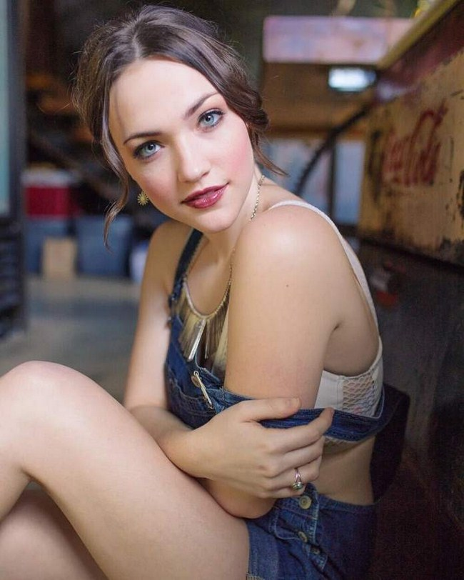 Violett Beane sexiest pictures from her hottest photo shoots.