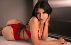 Elsa Galvan sexiest pictures from her hottest photo shoots. (37)