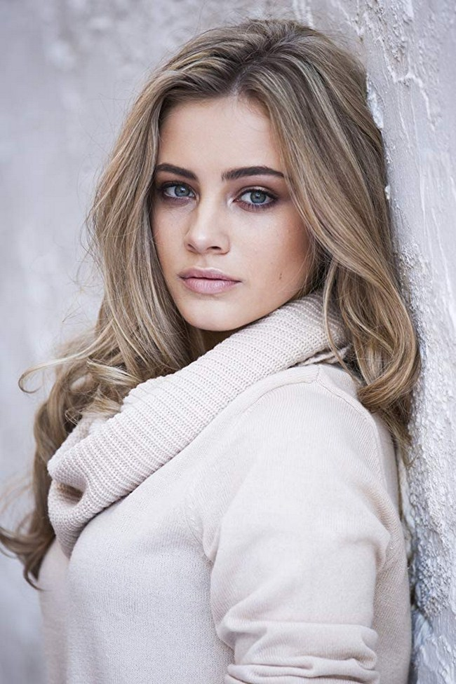 Josephine Langford Photos | Sexy Near-Nude Pictures, GIFs
