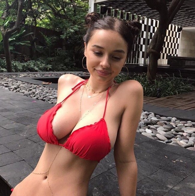Sophie Mudd Photos Sexy Near Nude Pictures Gifs