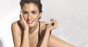 Paz Vega sexiest pictures from her hottest photo shoots. (40)