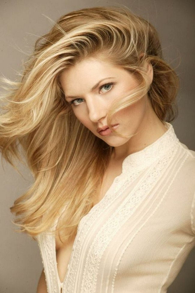 Katheryn Winnick Hottest Photos   Sexy Near-Nude Pictures