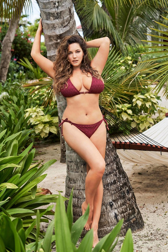 Kelly brook hot and sexy