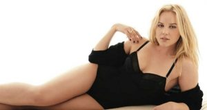 Abbie Cornish sexiest pictures from her hottest photo shoots. (43)
