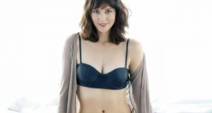 Mary Elizabeth Winstead sexiest pictures from her hottest photo shoots. (44)