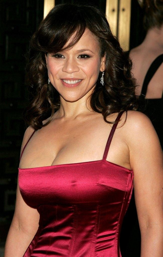 Rosie Perez Hottest Photos | Sexy Near-Nude Pictures, GIFs