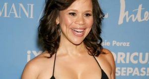 Rosie Perez sexiest pictures from her hottest photo shoots. (1)